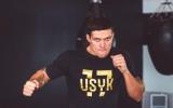 Жодної поразки на чотирьох. Усик провів найменшу кількість боїв серед півфіналістів WBSS
