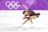 Медведєва не змінить громадянство і буде тренуватися в Канаді