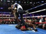 Бокс: Деонтей Вайлдер нокаутував Стіверна у першому раунді